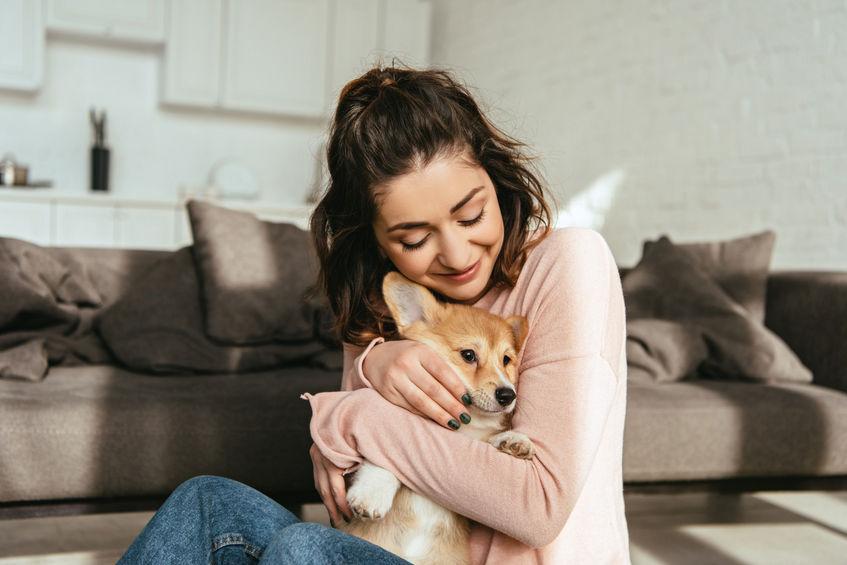 chien avec sa maitresse